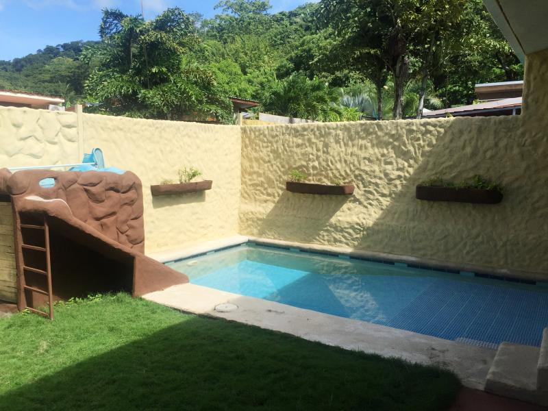 Casa Piscina in the heart of Santa Beach.,, Ferienwohnung in Santa Teresa