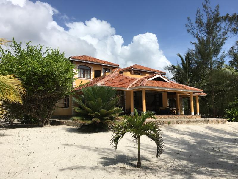 Casa El Norte is located on the private white sands of the Galu Beach sits 50 meters from the pristi