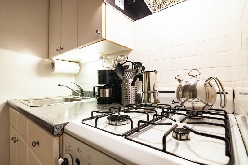4 burner gas stove with oven.