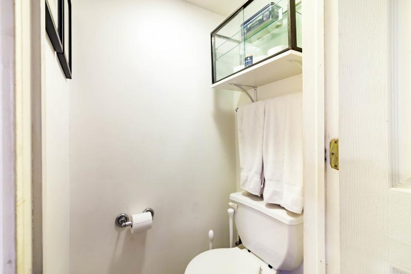 Separate WC.