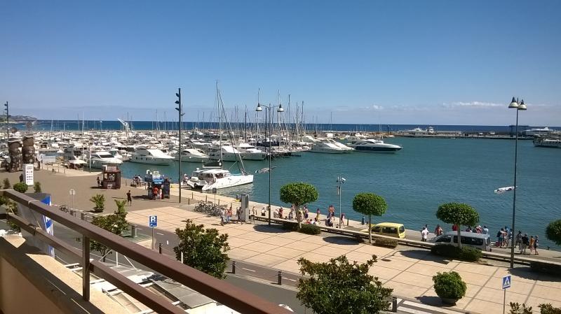 Único y exclusivo 1º linea puerto Cambrils, location de vacances à Cambrils
