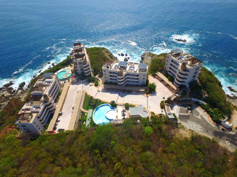 Huatulco:  Luxury Ocean Front Condos, holiday rental in Huatulco