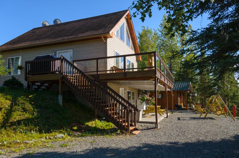 Prime Kenai River Frontage with Private Lodging, alquiler vacacional en Sterling