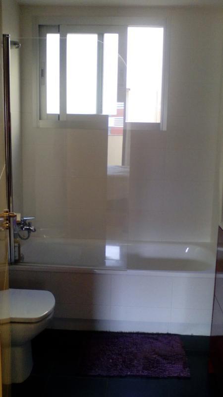 ducha-bañera dormitorio