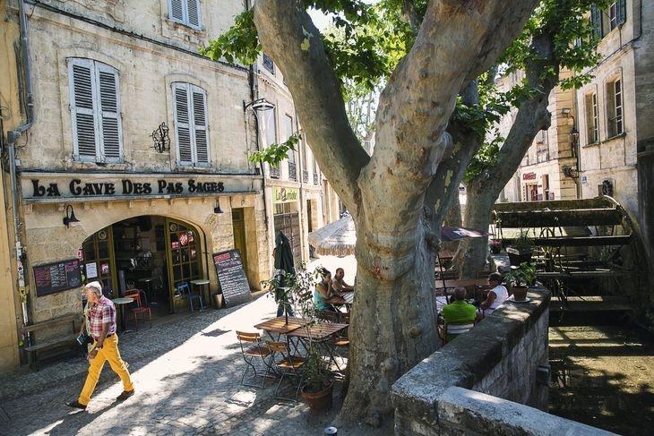 Barrio: rue des teinturiers y bares, buenos restaurantes