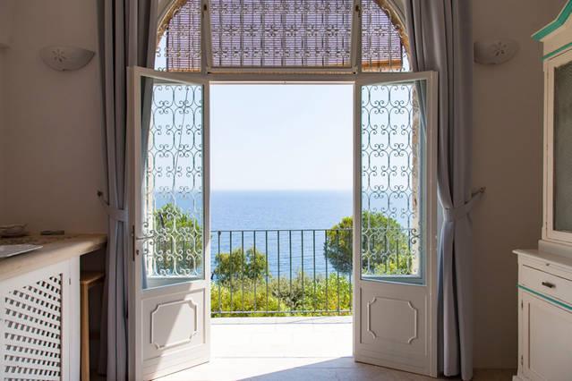 casa con arco vista mare, holiday rental in Marina Serra