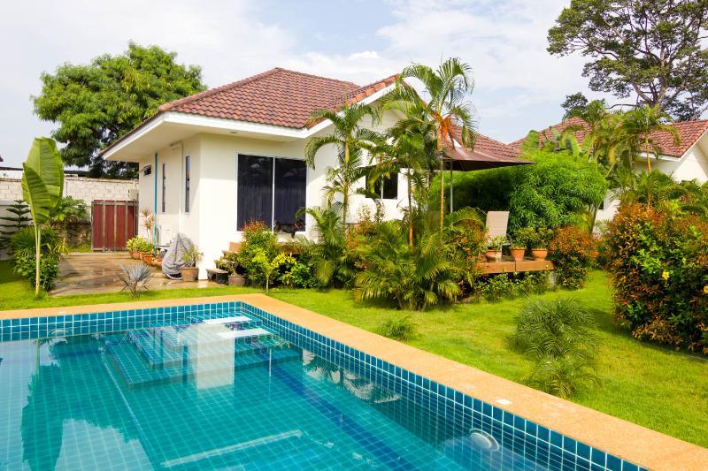 Bangsaray garden /pool villa, vacation rental in Ban Chang