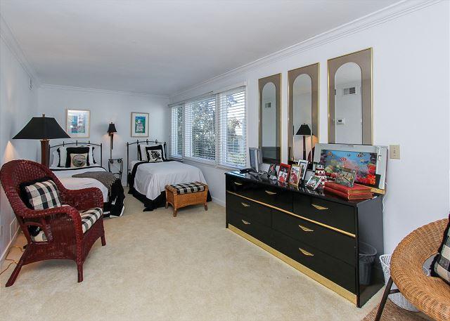 Loft en el tercer piso / Dormitorio de invitados - 2 gemelos