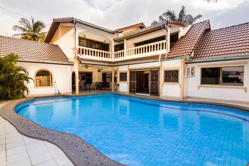 6 BD 6 Bath in ♥ of Pattaya, aluguéis de temporada em Pattaya