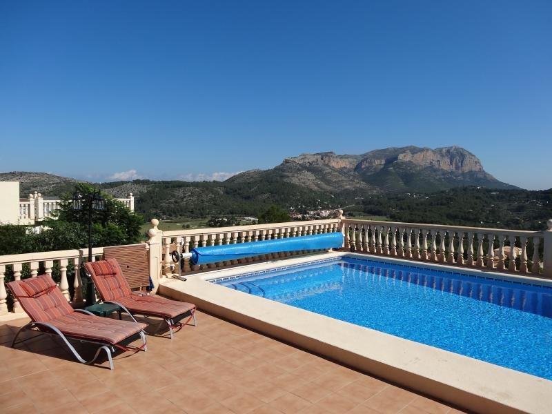 Private 10m x 5m pool with amazing view.