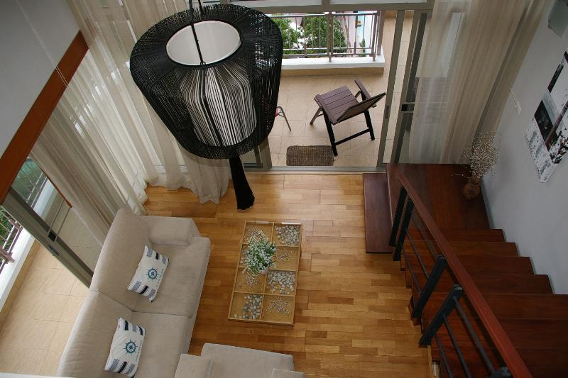 Duplex (2 pisos) de techo ventilado salón