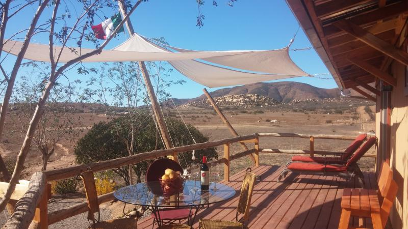 VinoPhiliac B&B Cabernet Suite, Valle de Guadalupe, holiday rental in Villa de Juarez