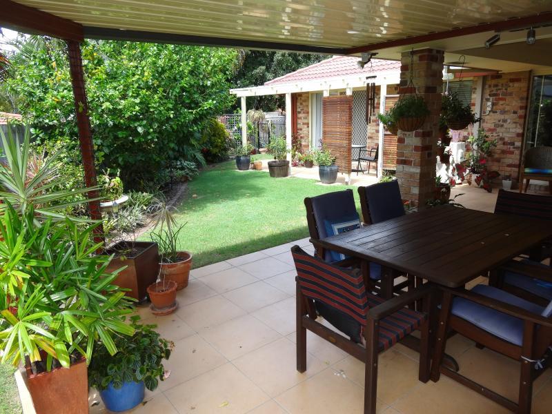 Geschützt im Freien zu Speisen, für die meisten des Jahres in Brisbane subtropische Klima