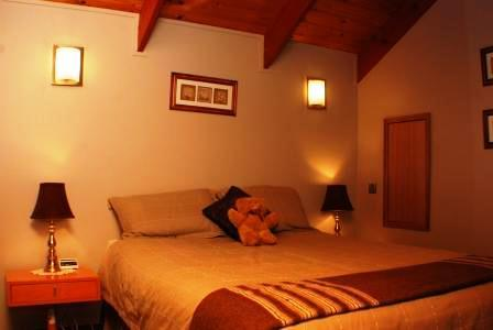 Dreamcatcher Lodge B&B The Loft, holiday rental in Picton