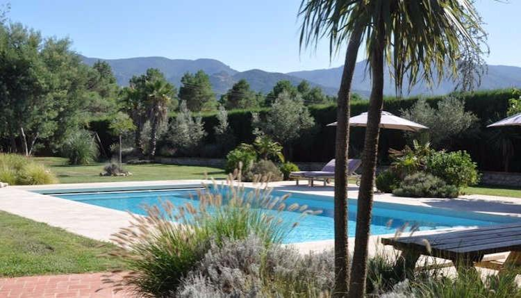 Mas Sangha-  Villa in Languedoc with private pool, Sleeps 8, holiday rental in Pyrenees-Orientales