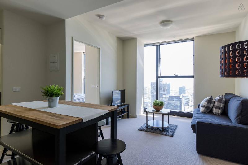 Un interior elegante, cómodo y cálido.