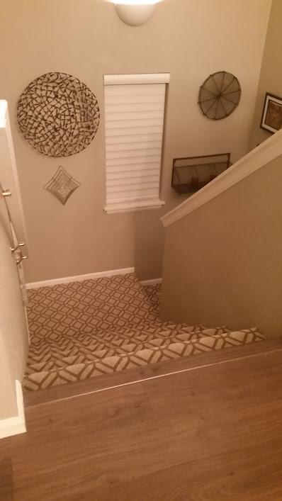 Escaliers menant à la vie de la Main