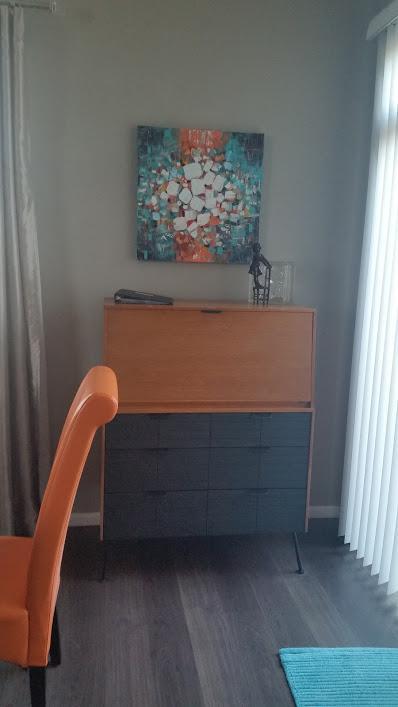 Espace de bureau dans la salle à manger