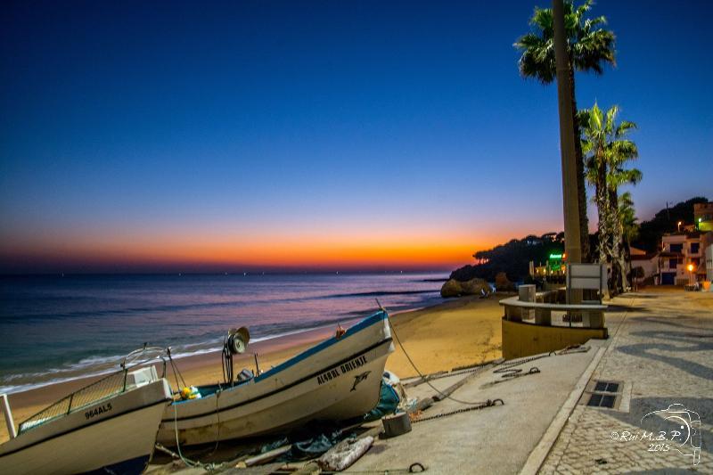 Promenade offre variété de fruits de mer et restaurants portugais ainsi que des autres spécialités