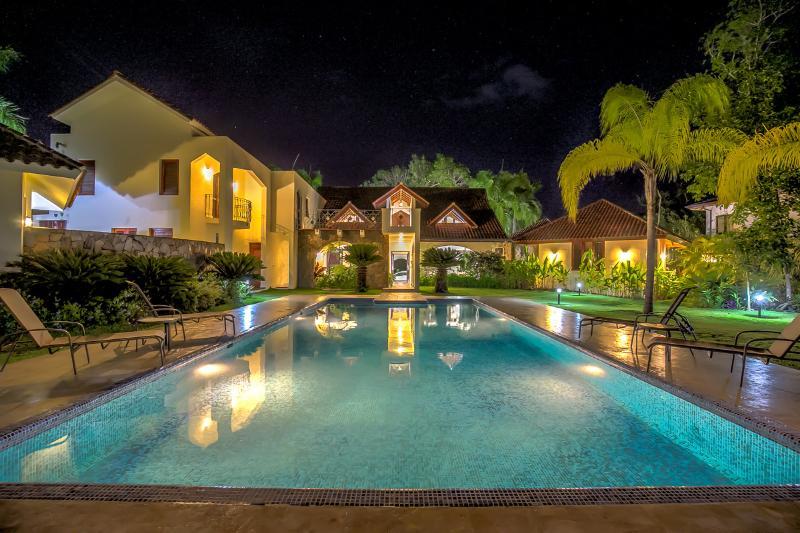 Casa Las Brisas, à noite, vista do terraço da piscina