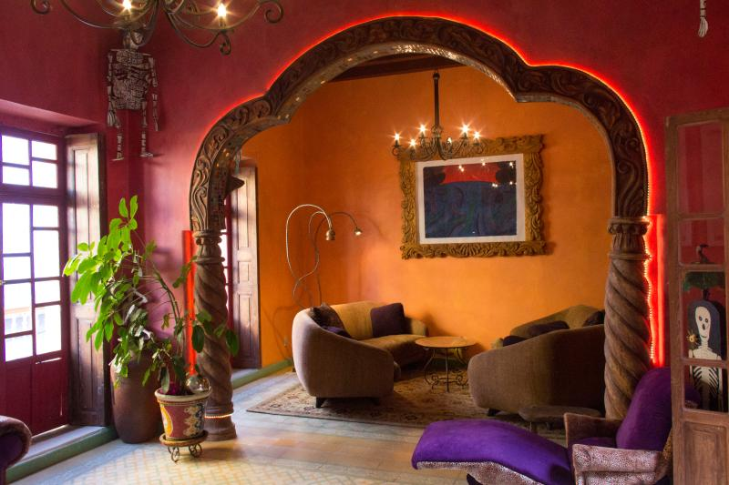 Huge and Classy 3 Bedroom House in Historic Center, holiday rental in Guanajuato