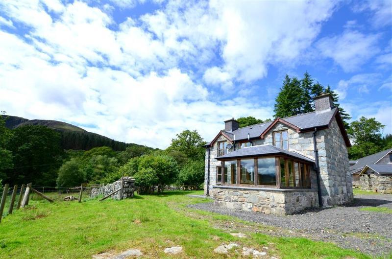 Tyddyn Bwlch (WAH570), holiday rental in Llanfachreth