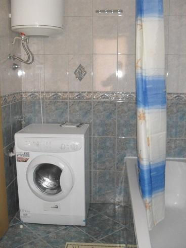 A1 (6): salle de bain avec toilette
