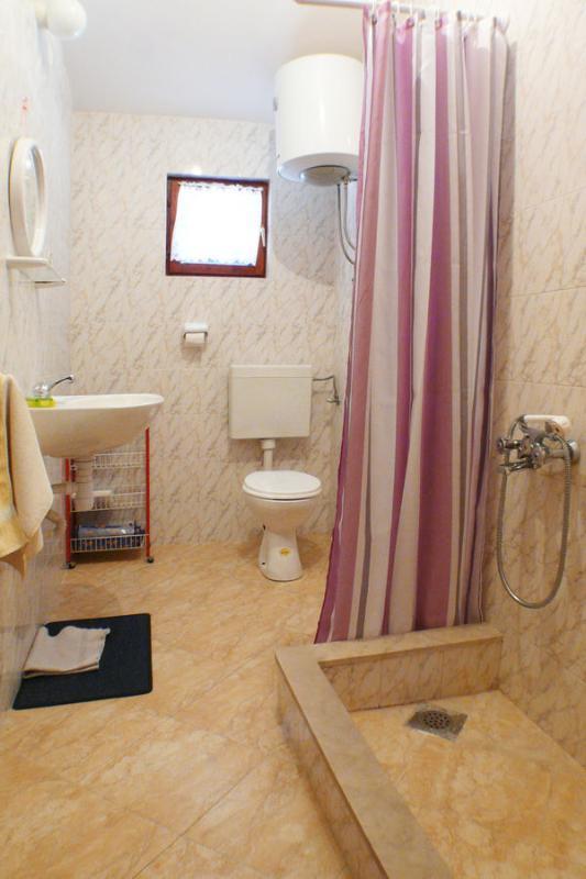 A2 (4 + 1): bagno con wc