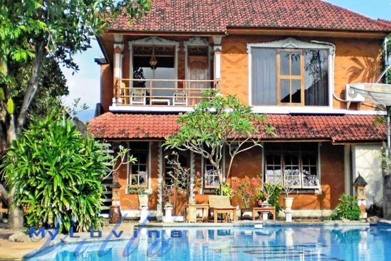 my Lovina villa offers a tropical garden