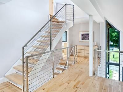 Bright and spacious hall and stair