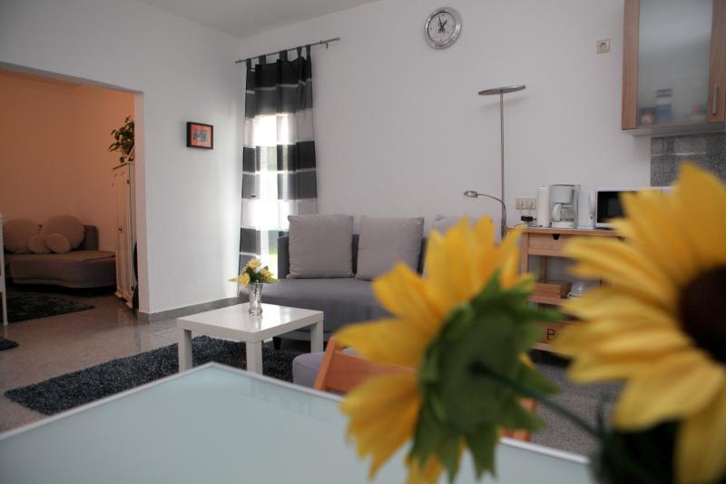 White House Studio Flat, location de vacances à Gelsenkirchen