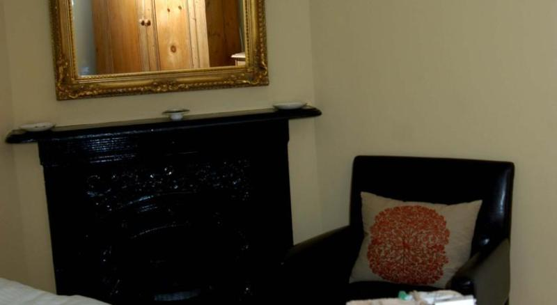 School Farm Bed and Breakfast, holiday rental in Butcombe
