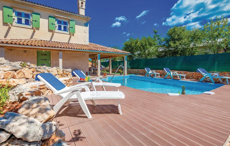 Exclusive newly built villa Raso with pool, holiday rental in Rasopasno