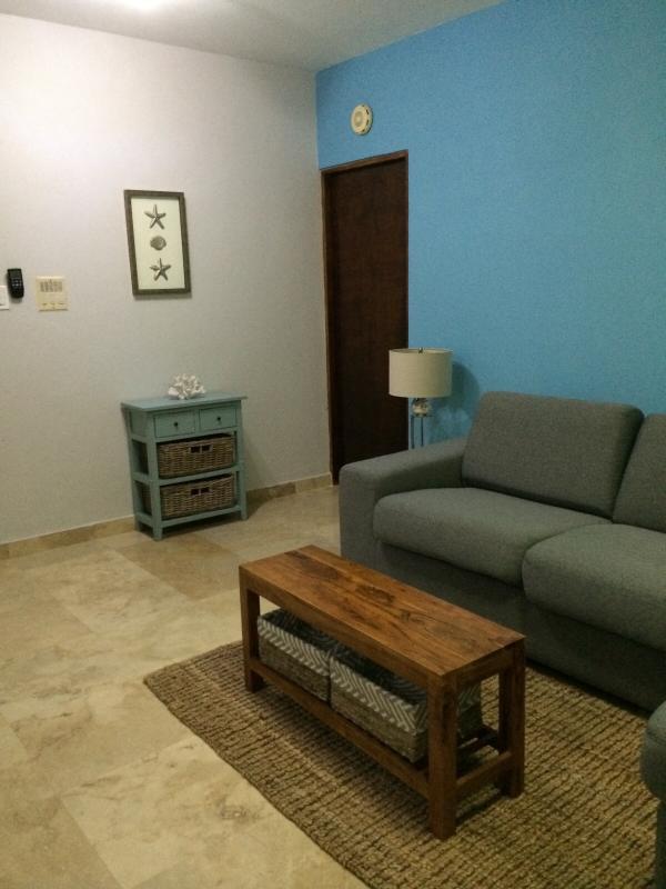 Living Room - Photo 3
