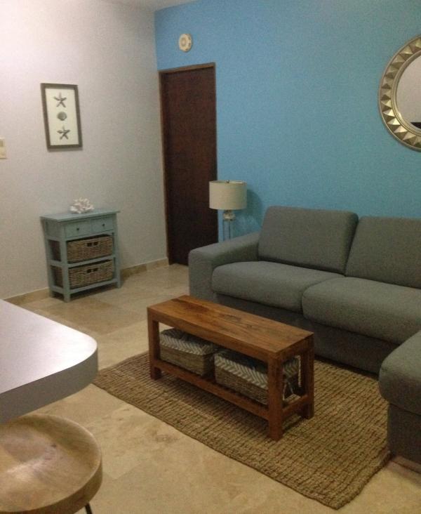 Living Room - Photo 2