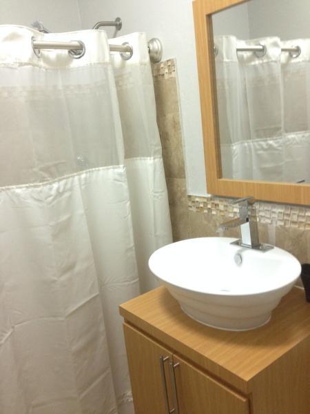 Bathroom - Photo 2