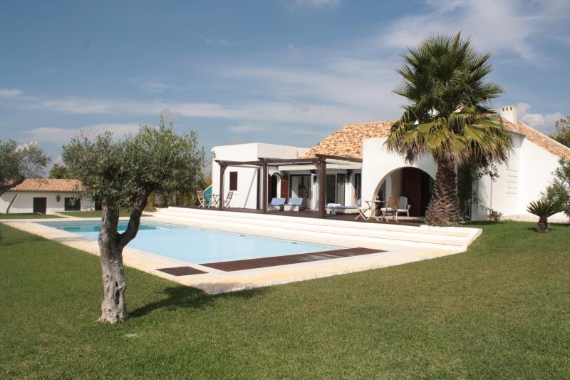 Villa Oase Azul | Private pool | Sauna | Sea view, casa vacanza a Aldeia do Meco