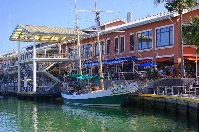 Bayside festival marketplace at walking distance