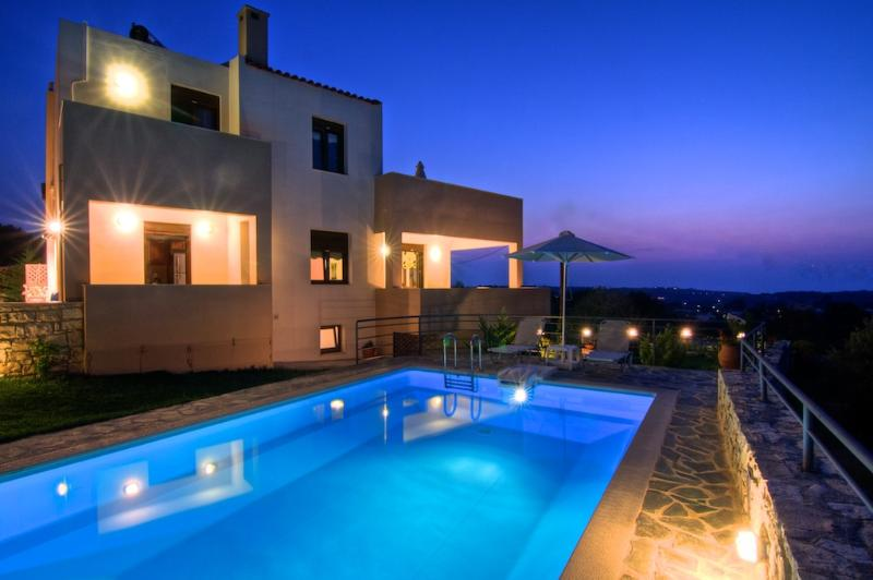 Emy Villa Exterior - Private Pool - Magnificent View