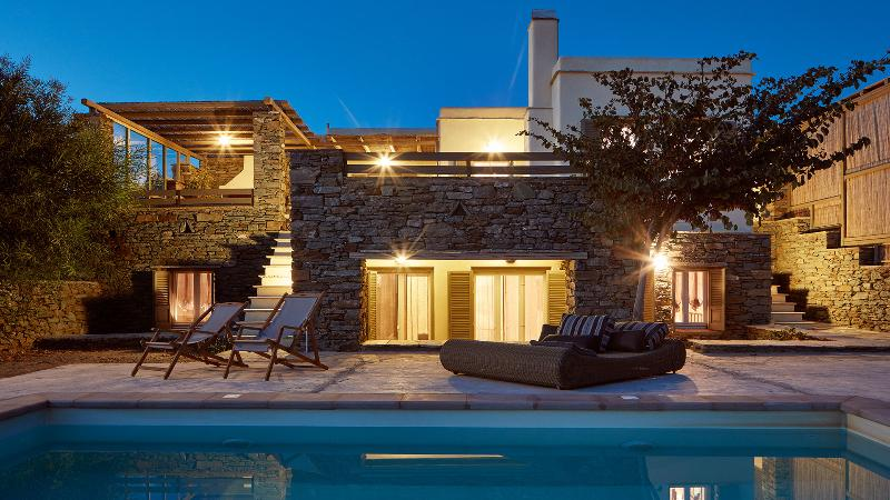 Grande Private Swimming Pool | Diles & Rinies Estate | Villas in Tinos
