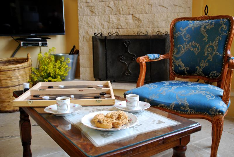 Eco-Awarded Traditional Village Apartment - Anoï, holiday rental in Lythrodontas