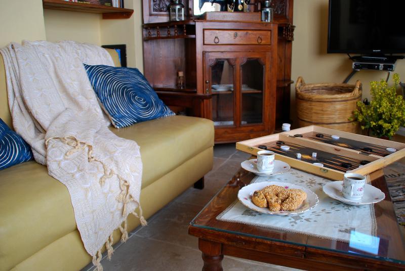 Accogliente fino al camino nel nostro appartamento di 2 camere da letto Anoï. Perfetto per le famiglie e gli amici.