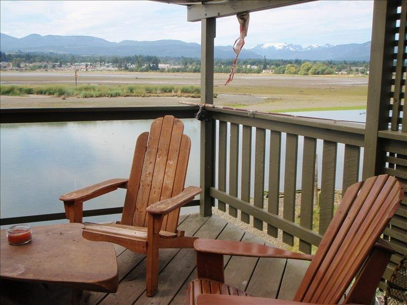 The deck overlooking the Comox Estuary and Glacier