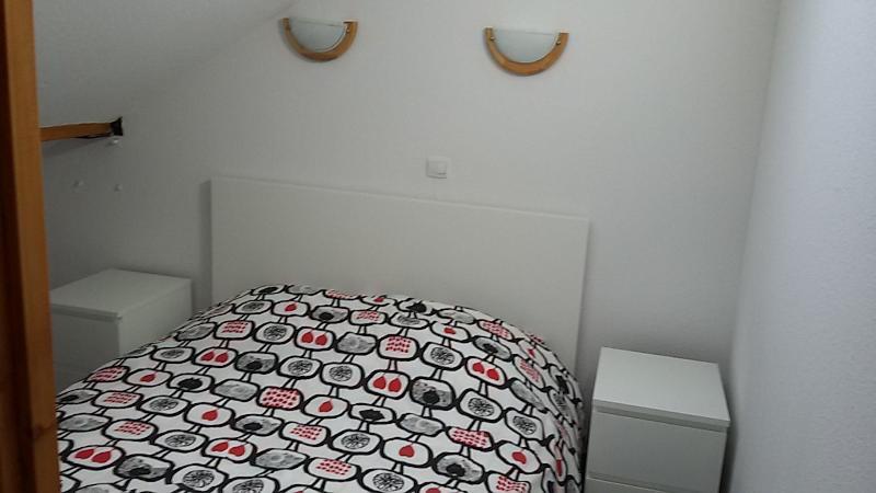 La chambre avec le lit 2 personnes
