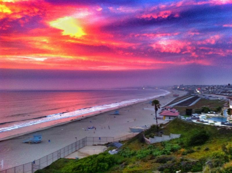 Spectacular Beach Front Home in Redondo Beach CA, holiday rental in Lawndale