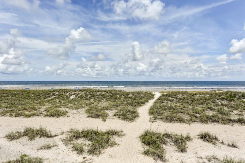 Sky,Beach,Coast,Outdoors,Sea