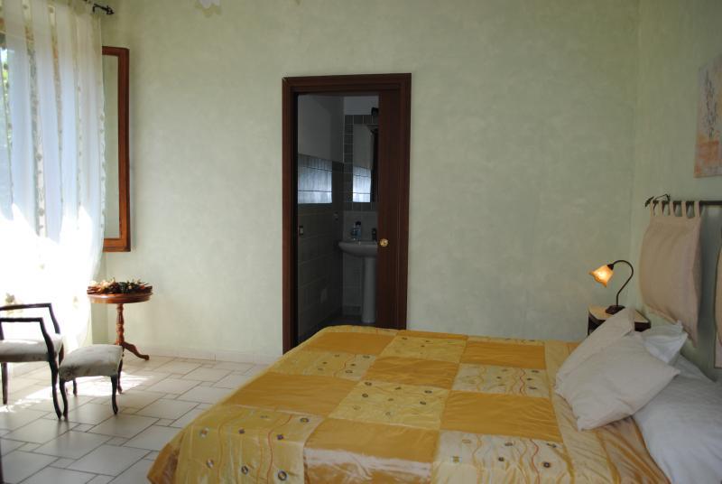 Habitación con baño privado aire acondicionado