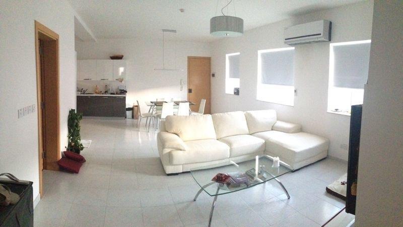 Luxury central top floor apartment, alquiler vacacional en Santa Venera