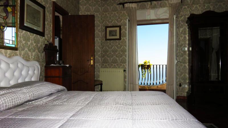 Appartamento Suite Oleandro, holiday rental in Castelmola