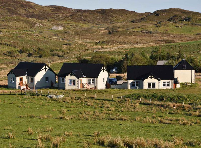 Caorann is the middle of the three cottages
